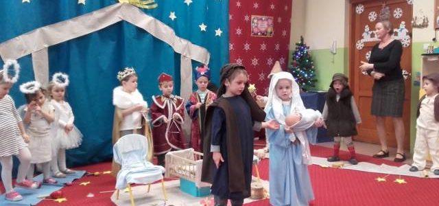 16 stycznia dzieci z gr. III wystąpiły dla swoich kochanych Babć i Dziadków