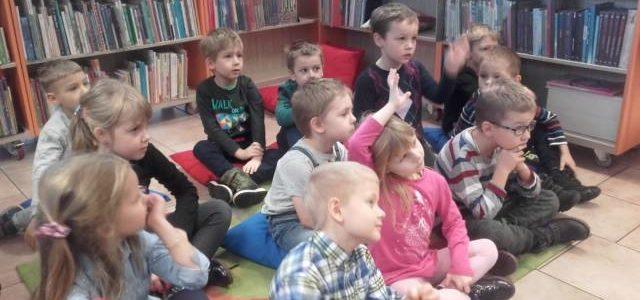 """,,Wiewiórki"""" na zajęciach bibliotecznych"""